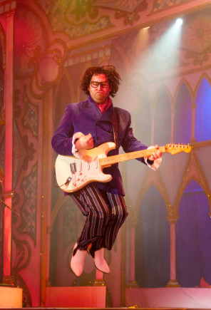 Stafford-Gatehouse-Theatre-Rock-And-Roll-Pantomime