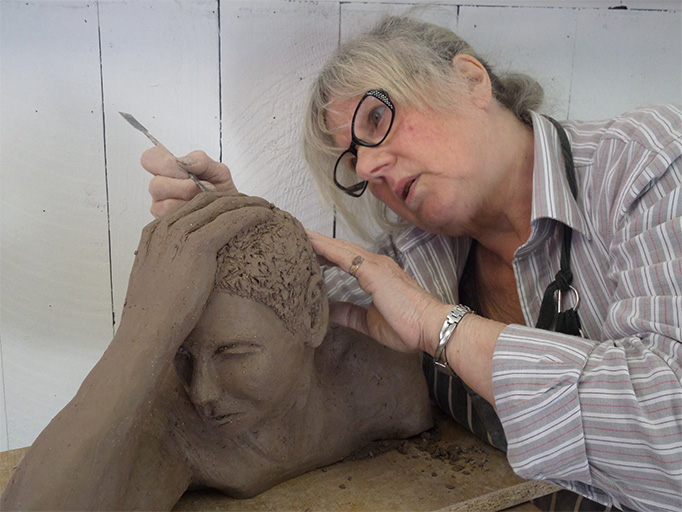 Life-Sculpture-and-Drawing-Classes-at-Amerton-Farm-in-Stafford